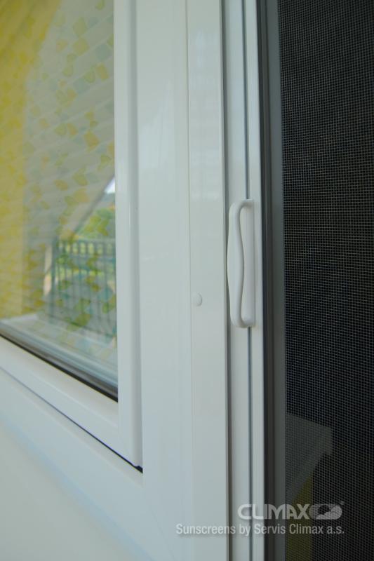 Door roll up screen magnet servis climax a s for Screen door with roll up screen